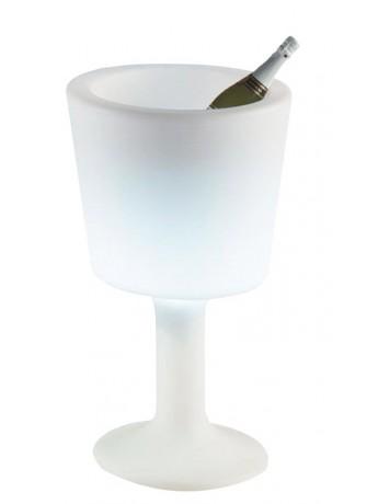 Saut à boisson sur pied lumineux